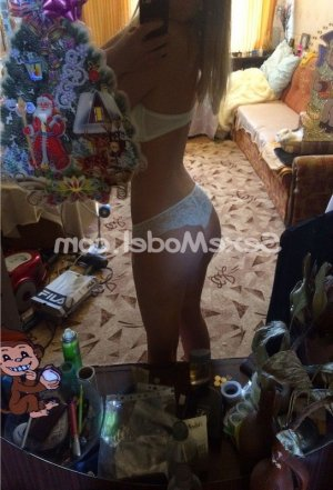 Olenka massage tantrique escort